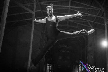 Dagoberto Huerta doing what he loves the most: dancing. Photo by Sexta de artistas.