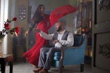 Una captura de pantalla de un video que Tausif Ali Khan lanzó a Ghar Aa el 1 de enero de 2021.